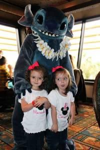 Stitch at ohana character breakfast at the Polynesian Village Resort in Walt Disney World (2)