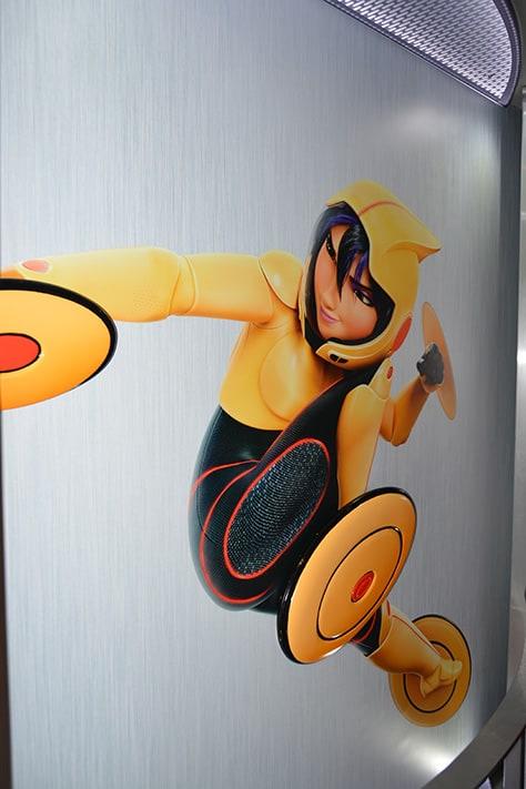 Hiro and Baymax from Big Hero 6 at Disney Hollywood Studios in Walt Disney World (15)