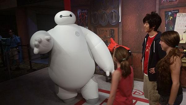 Hiro and Baymax Big Hero 6 disney hollywood studos walt disney world (3)