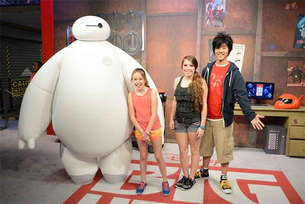 hiro baymax big hero 6 disney world hollywood studios character meet