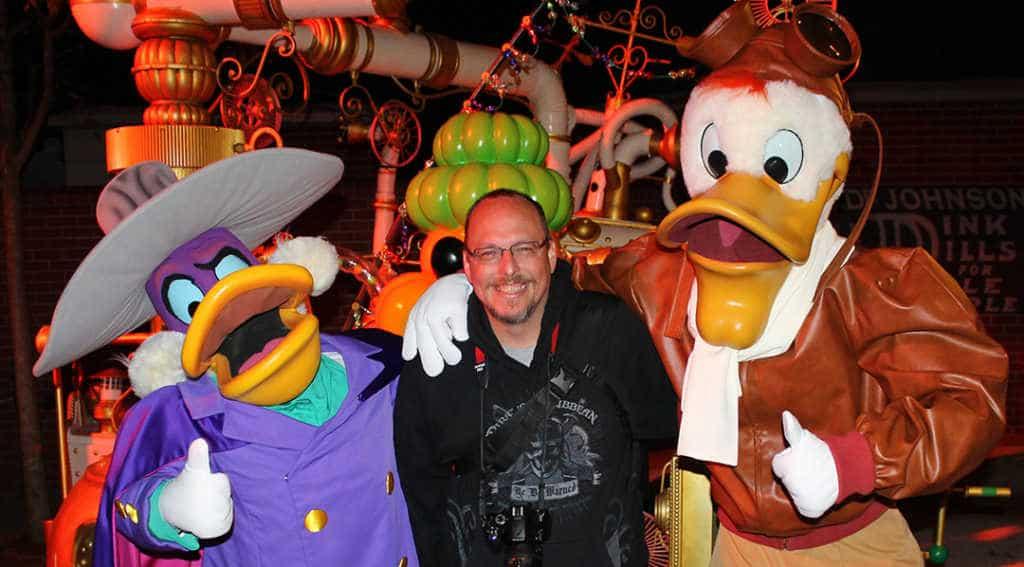 Darkwing Duck and Launchpad McQuack at Disneyland Paris Halloween Soiree 2014 (1)