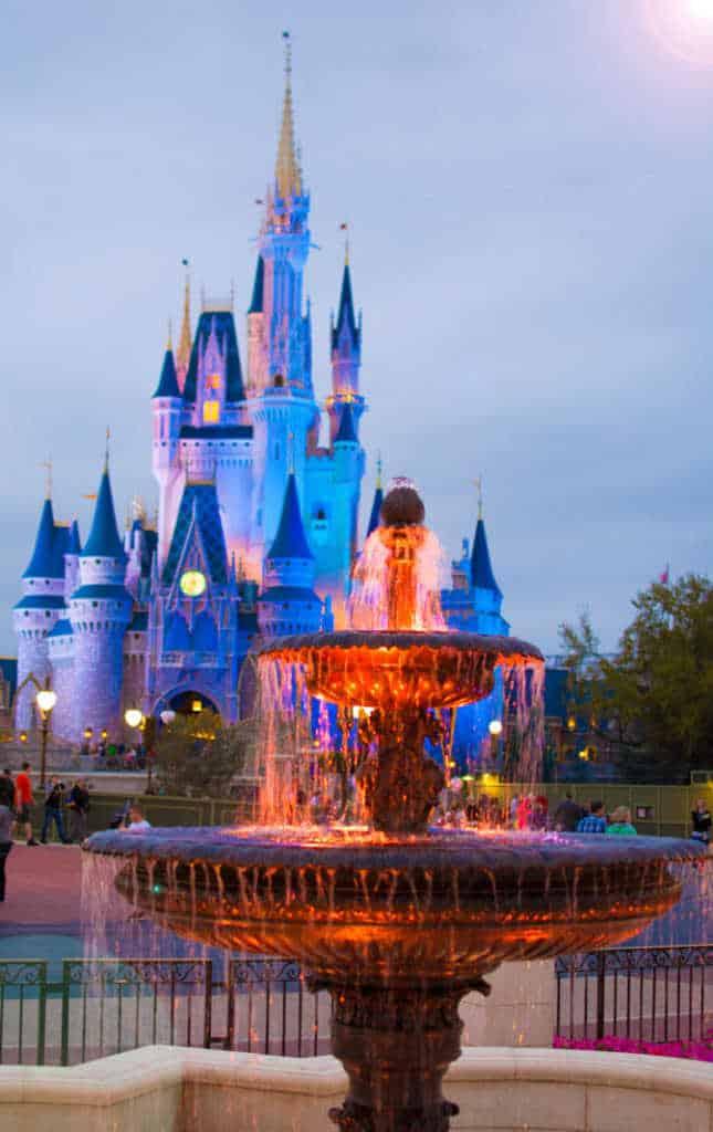 Cinderella Castle and Fountain in Castle Hub at Magic Kingdom in Walt Disney World l kennythepirate.com