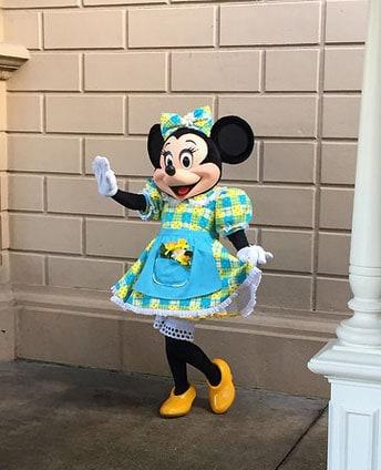 Disneyland Paris Swing into Spring Minnie Mouse (2)