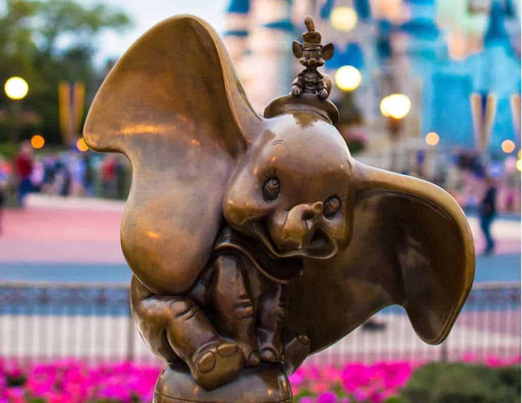 Dumbo in Castle Hub at Magic Kingdom in Walt Disney World 2 l kennythepirate.com