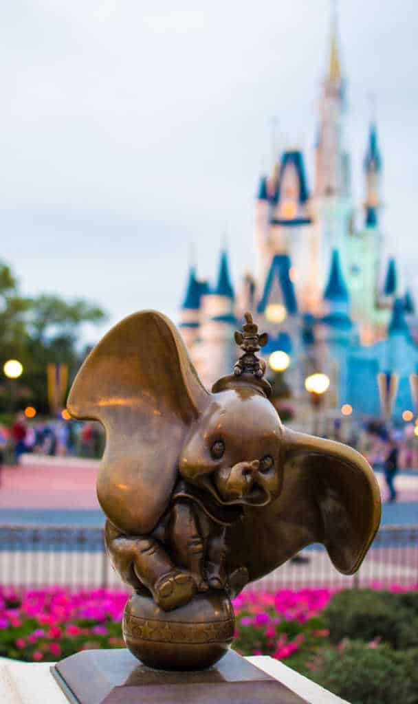 Dumbo in Castle Hub at Magic Kingdom in Walt Disney World l kennythepirate.com