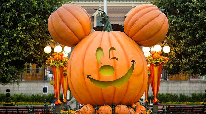 Similarities and Differences of Disneyland and Disney World Halloween Party
