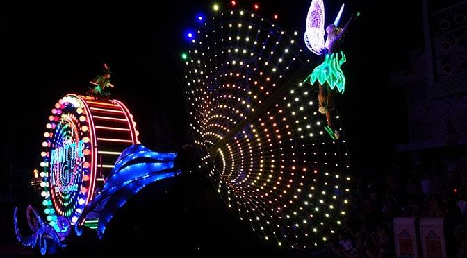 Disneyland Paint the NIght parade tips