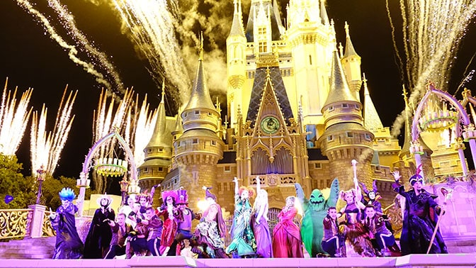Hocus Pocus Villain Spelltacular at Mickey's Not So Scary Halloween Party 2015 (37)