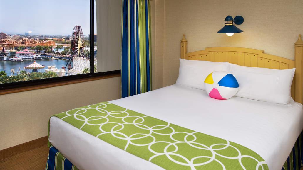 Disneyland offering Spring Room Discounts