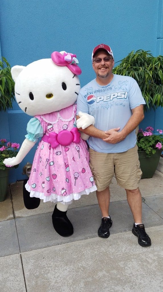 Universal Orlando Character Day with Ryan and Heather April 2016 (16) Hello Kitty