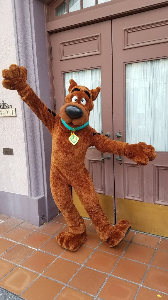 Universal Orlando Character Day with Ryan and Heather April 2016 (9) Scooby Doo