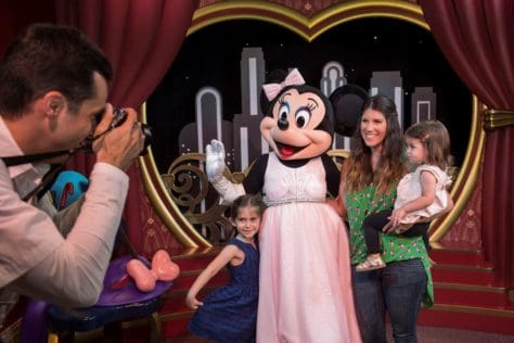Mickey and Minnie's new meet and greet in Hollywood Studios (1)