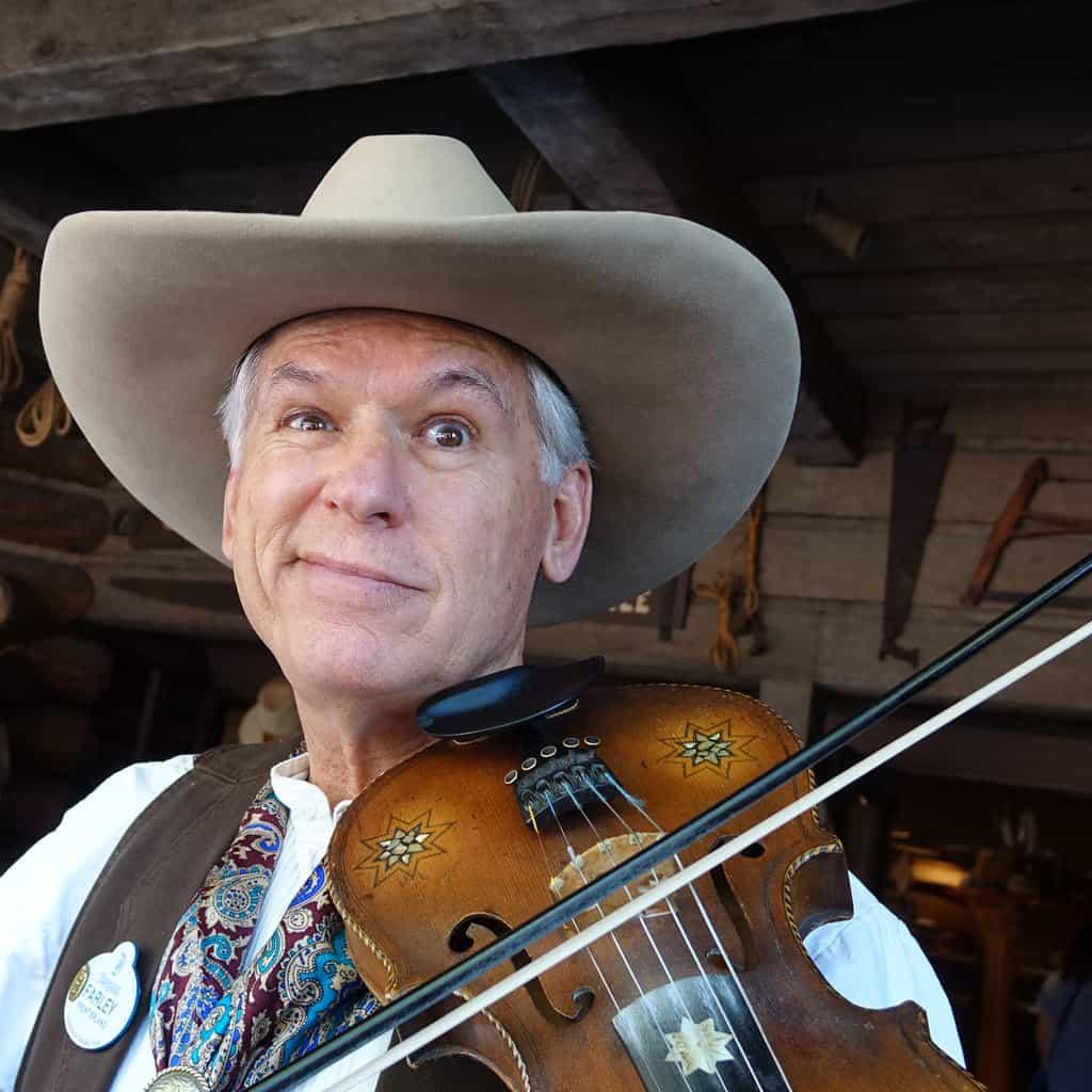 Farley the Fiddler at Disneyland (3)