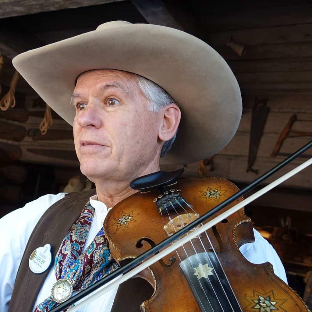 Farley the Fiddler at Disneyland (4)