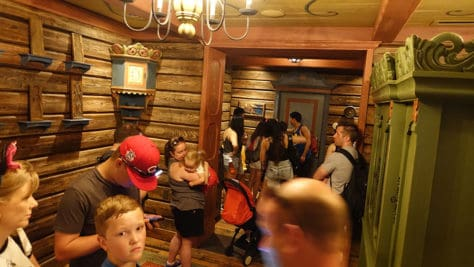 Meet Anna and Elsa at the Royal Summerhus in Epcot (24)