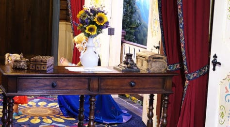 Meet Anna and Elsa at the Royal Summerhus in Epcot (46)