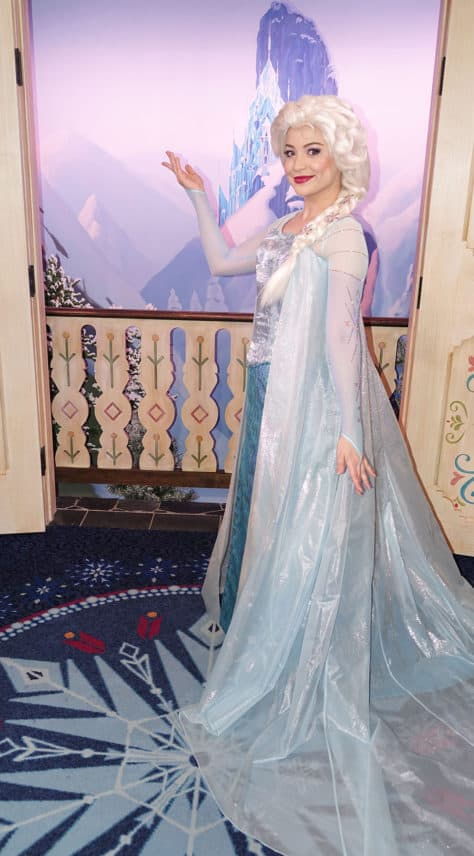 Meet Anna and Elsa at the Royal Summerhus in Epcot (47)