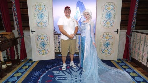Meet Anna and Elsa at the Royal Summerhus in Epcot (50)