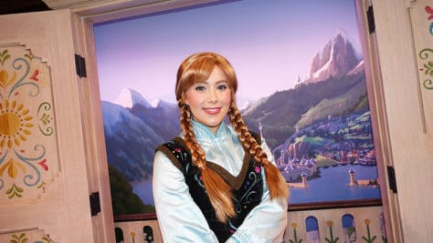 Meet Anna and Elsa at the Royal Summerhus in Epcot (57)