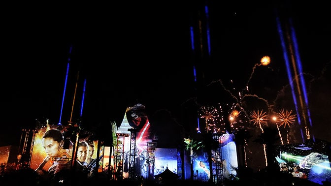 Star Wars A Galactic Spectacular Fireworks Dessert Party at Hollywood Studios in Walt Disney World (87)