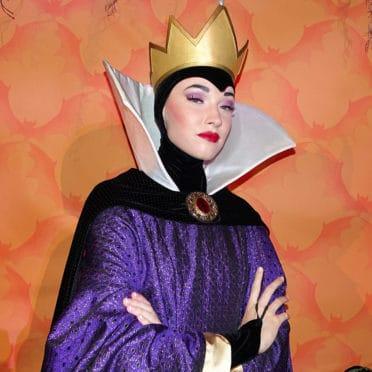 Queen Grimhilde at Disneyland Mickey's Halloween Party 2015