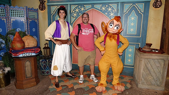 aladdin-and-abu-at-mickeys-not-so-scary-halloween-party-with-kennythepirate