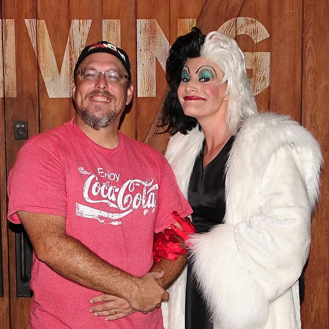 cruella-de-vil-at-mickeys-not-so-scary-halloween-party-with-kennythepirate