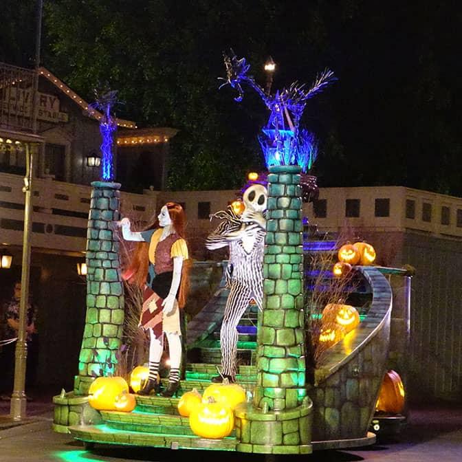 disneyland-mickeys-halloween-party-2016-q2