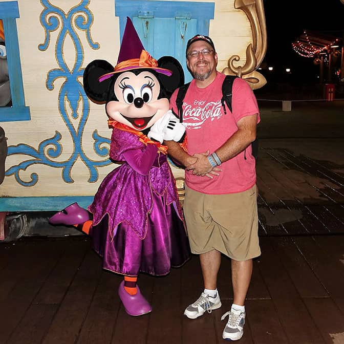 minnie-mouse-at-mickeys-not-so-scary-halloween-party-with-kennythepirate