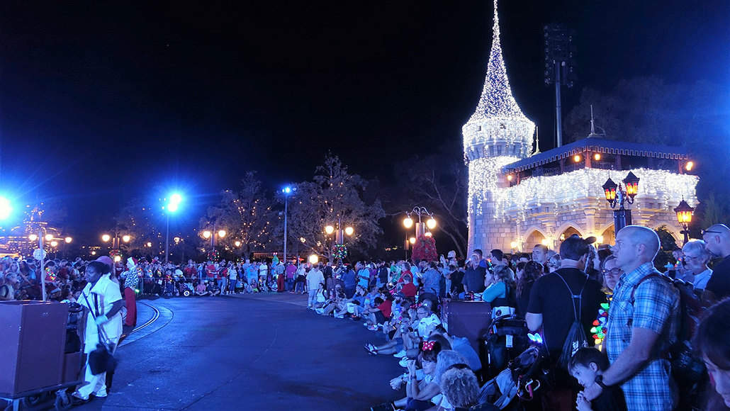 Review Mickey S Very Merry Christmas Party First Event Of