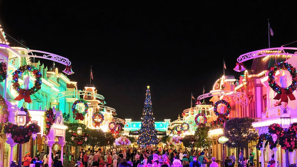 How the 6pm Magic Kingdom closings affect Christmas Party guests