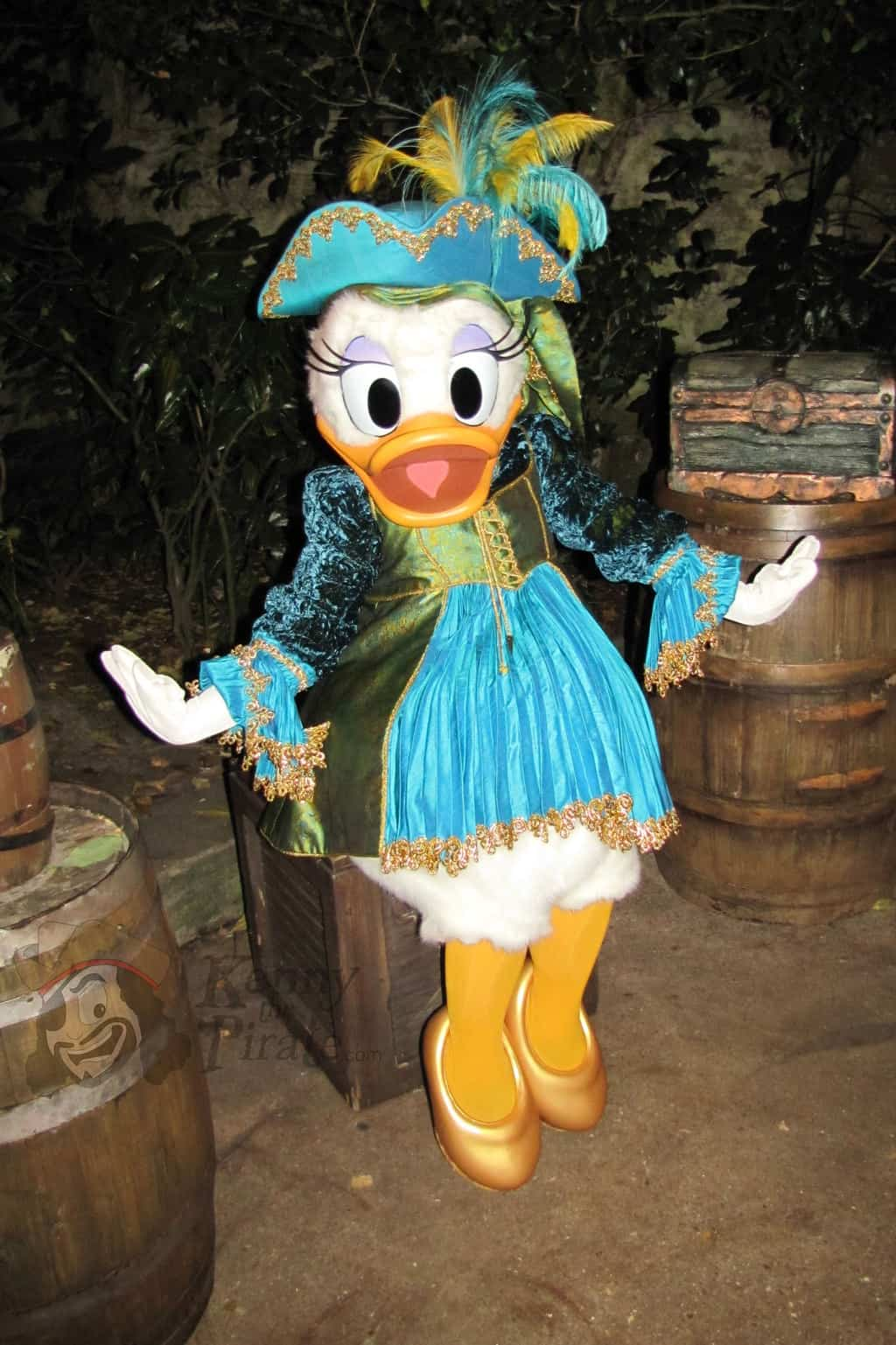 Daisy Duck at Disneyland Paris Halloween Party - KennythePirate.com