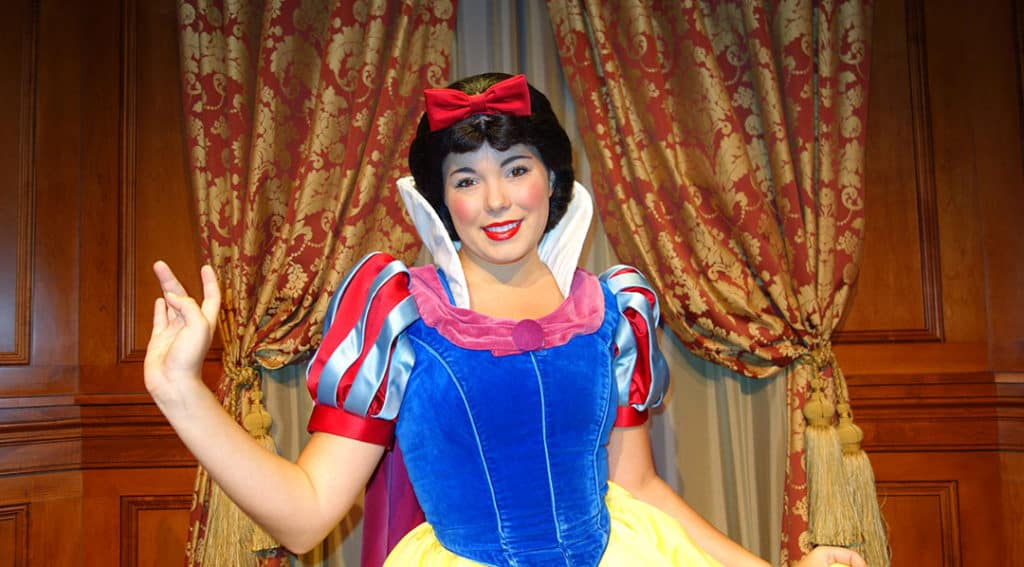 Reservations now open for Snow White's Storybook Dining at Artist Point