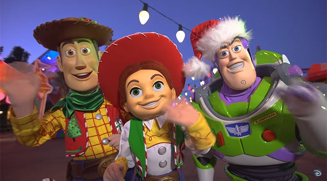 Toy Story Characters will have Christmas costumes in Toy ...
