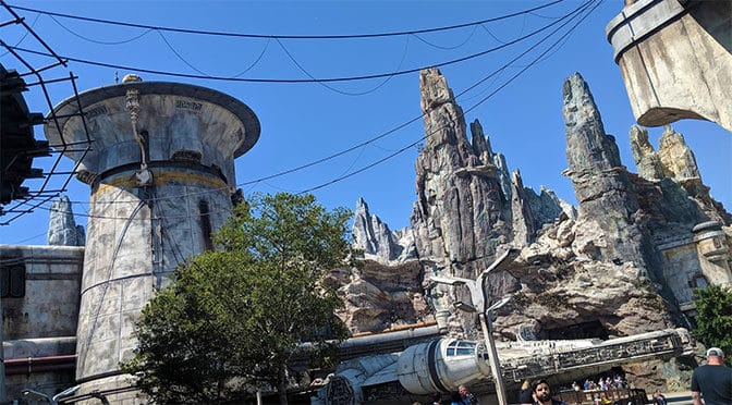 Star Wars Galaxy's Edge Millenium Falcon