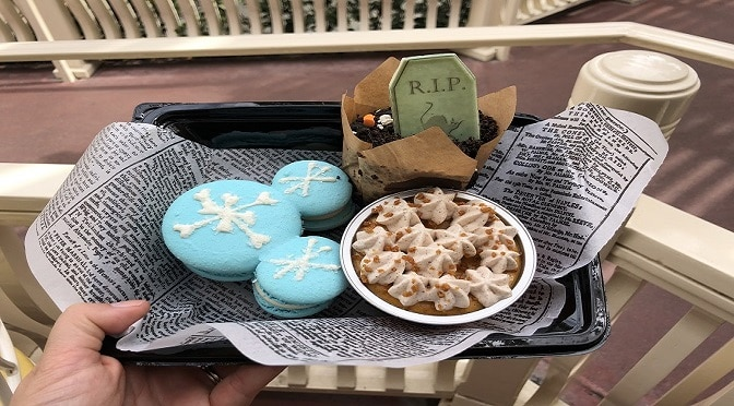 A Review On The Yummy Disney Halloween Treats at The Disneyland Resort