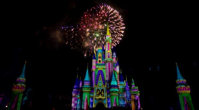 Minnie's Wonderful Christmastime Fireworks 4
