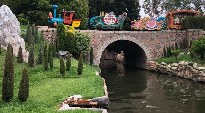 12 Disneyland Must-Dos for Disney World Regulars