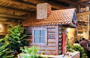 Wilderness Lodge Debuts Gingerbread Cabin!
