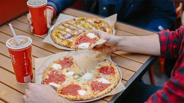 Blaze Pizza in Disney Springs Offers Online Ordering!