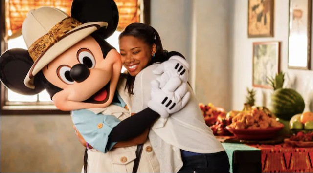 Your Guide to Character Dining with Mickey Mouse