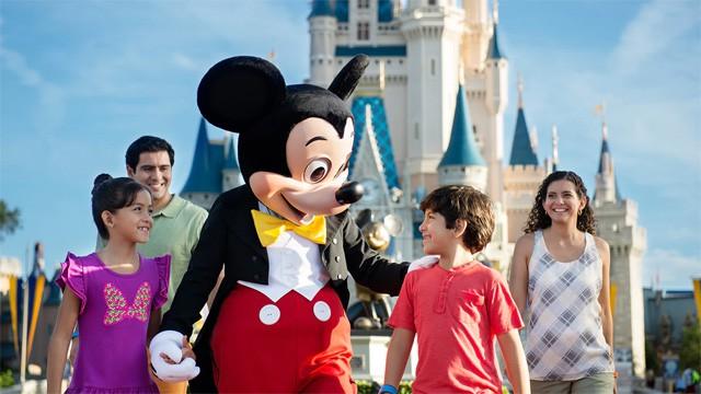 6 Tips For Keeping Kids Safe At Walt Disney World