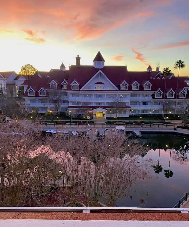 This image has an empty alt attribute; its file name is Grand-Floridian-marina-sunrise-4.jpg