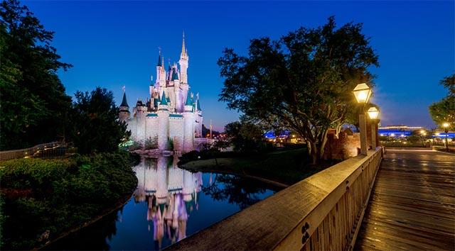 BREAKING: Disney World and Disneyland Closed Indefinitely