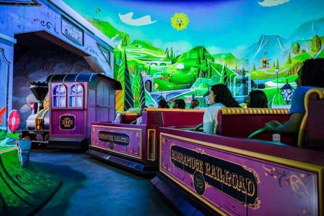 New Video of Mickey and Minnie's Runaway Railway