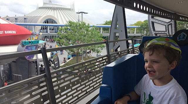 6 Unique Photos to Take of your Child at Disney World