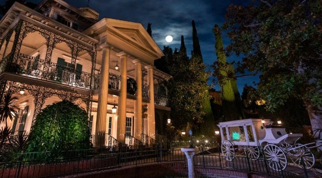 Join a Disney Legend and an Imagineer For A Free Virtual Haunted Mansion Event