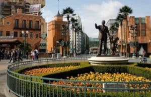 Disneyland Paris is Forced to Close Down Again