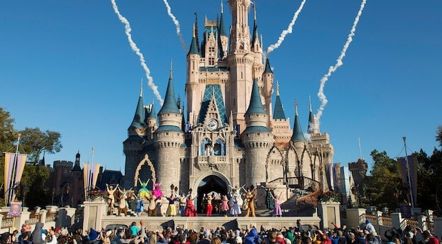 Refurbishment Resumes for Cinderella Castle at Magic Kingdom