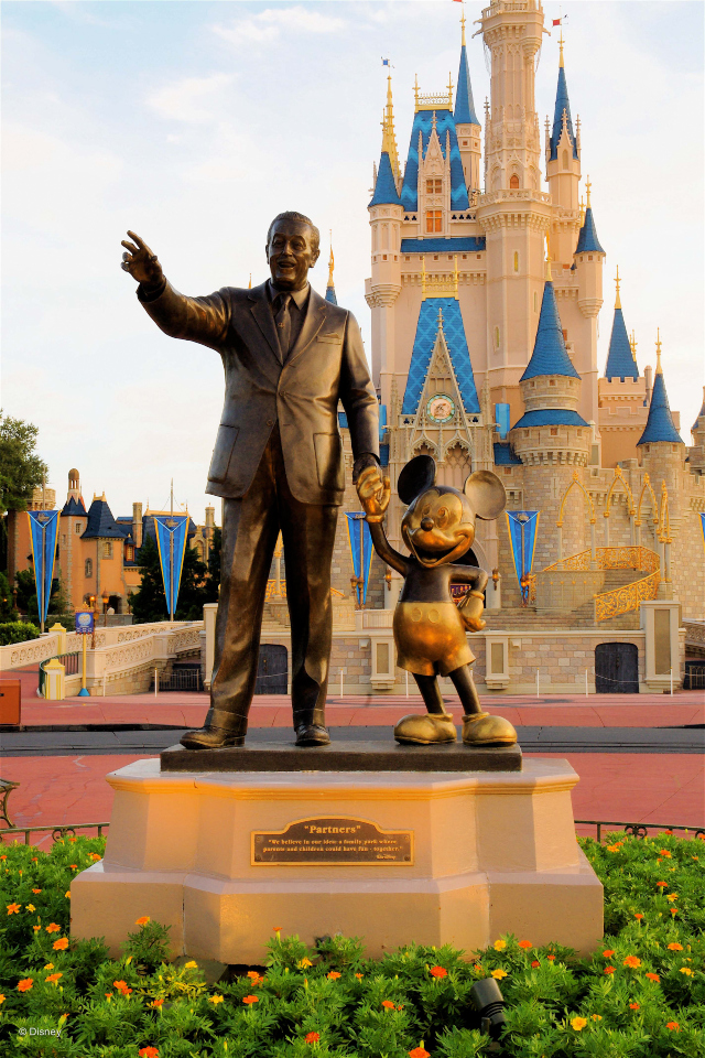 This image has an empty alt attribute; its file name is Magic-Kingdom-cinderella-castle-vertical.jpg